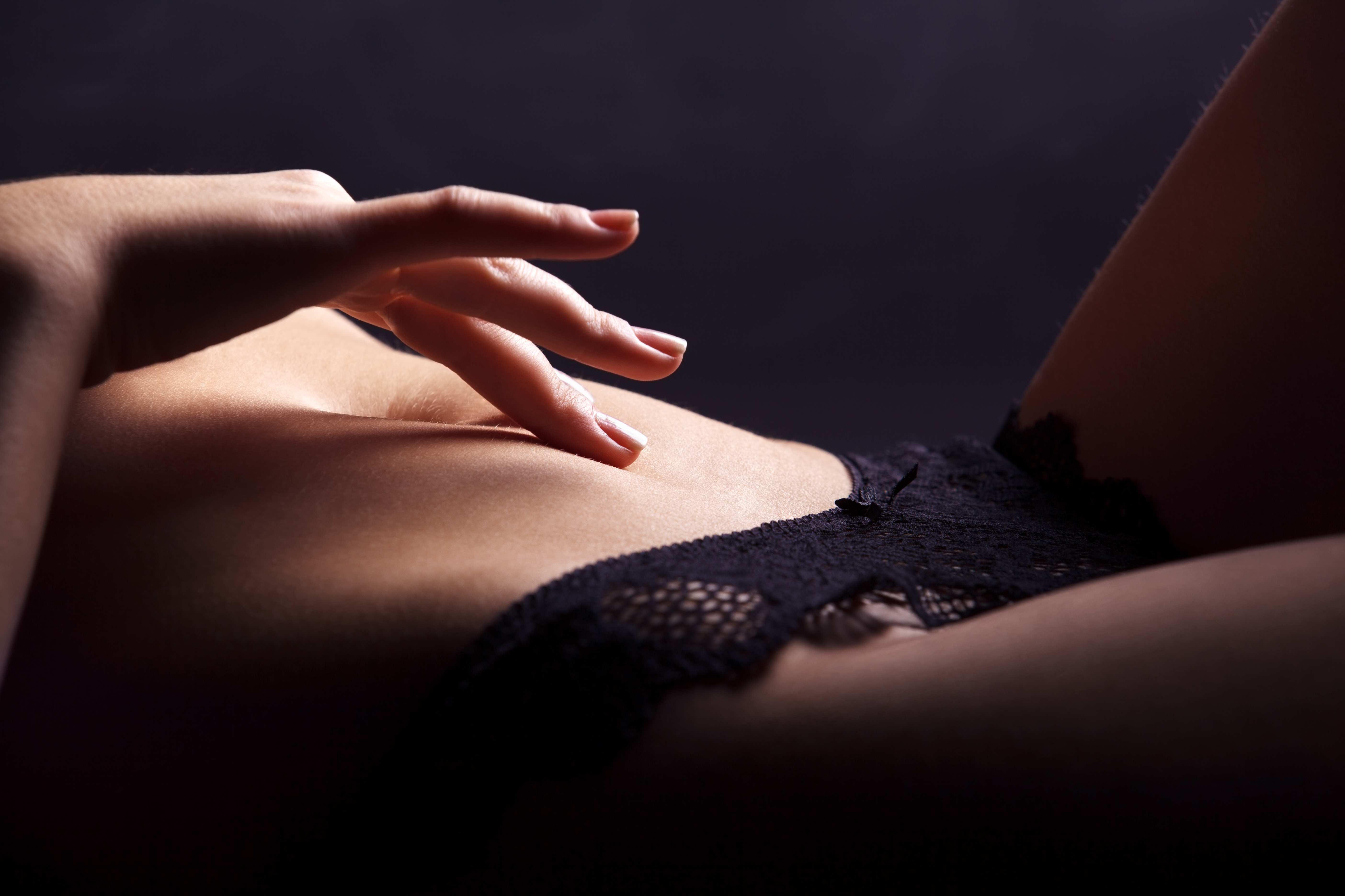 Фото женщин интимное ласки для женщин 15 фотография